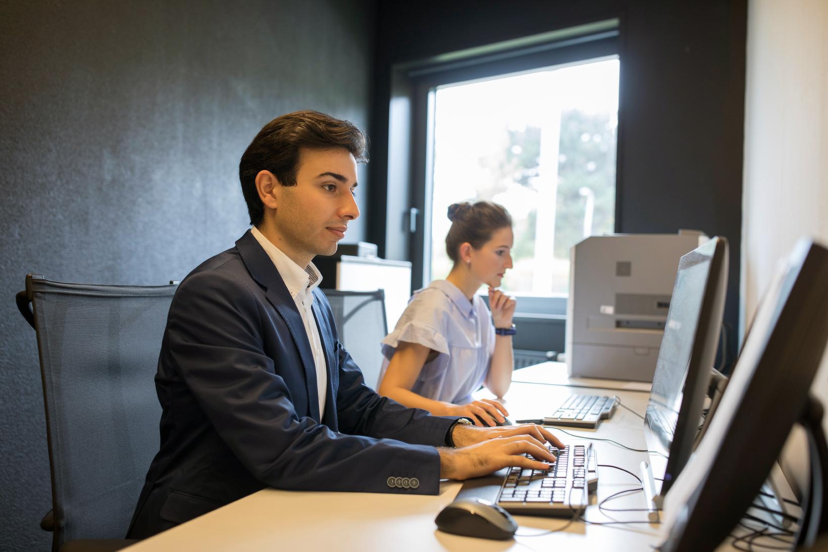 Forscher/innen im Büro