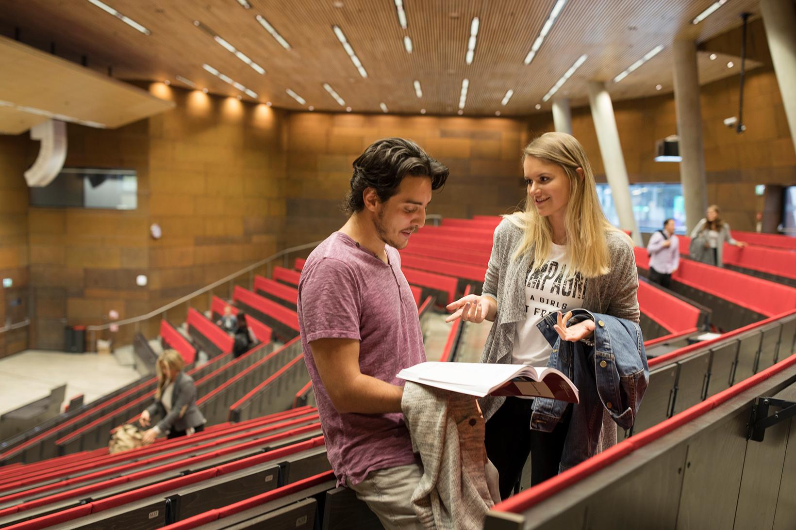 Studierende im Audimax